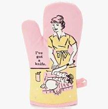 Blue Q - I've Got A Knife Oven Glove - Pink