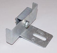 Clamp with fence support bracket for mesh size 5 x