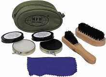 Compact shoe cleaning kit complete with brushes