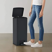 Dustbin with Pedal Anti-fingerprint 30L Black