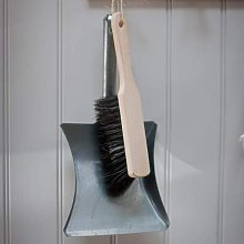 Garden Trading - Wooden Dustpan Brush With Short