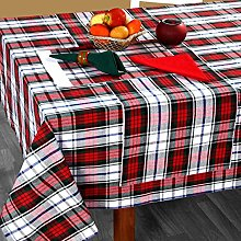 HOMESCAPES - Christmas - Tablecloth - Macduff