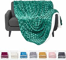 HOMESCAPES Large Emerald Green Velvet Throw 160 x