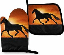 Horse Printed Oven Mitts and Pot Holders Kitchen
