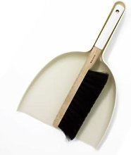 Iris Hantverk - White Handled Broom and Dustpan Set