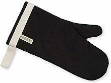 Le Creuset 4-Layered Textile Oven Mitt, Stain