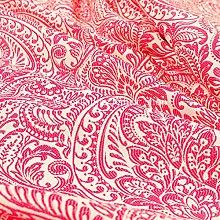 Lightweight Chenille Damask Floral Pattern