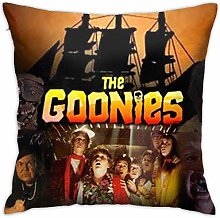 Lucky girlfriend Goonies Bedroom/Living