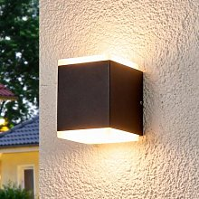 Outdoor wall light Sarah with LEDs and diffuser