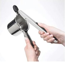 OXO Good Grips - Potato Ricer