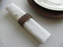 PACK OF 4 WHITE 100% COTTON TABLE NAPKINS **RINGS