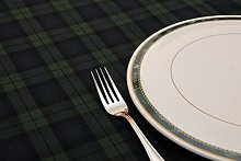 Poly/Cotton Blackwatch Tartan Tablecloth 147cm x