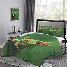 Quilt Cover Cute Red Eyed Frog between Exotic