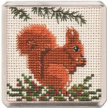 RED SQUIRREL MAGNET CROSS STITCH KIT BY TEXTILE