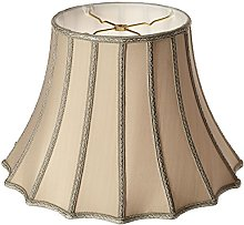 Royal Designs Scalloped Bell with Vertical Piping