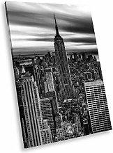 SC149 New York City Black White Portrait Canvas
