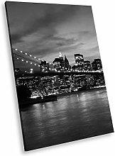 SC308 New York Bridge Black White Portrait Canvas