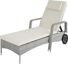 Sun lounger rattan - light grey
