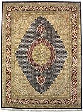 Traditional Persian Handmade Tabriz Rug, Wool/art.